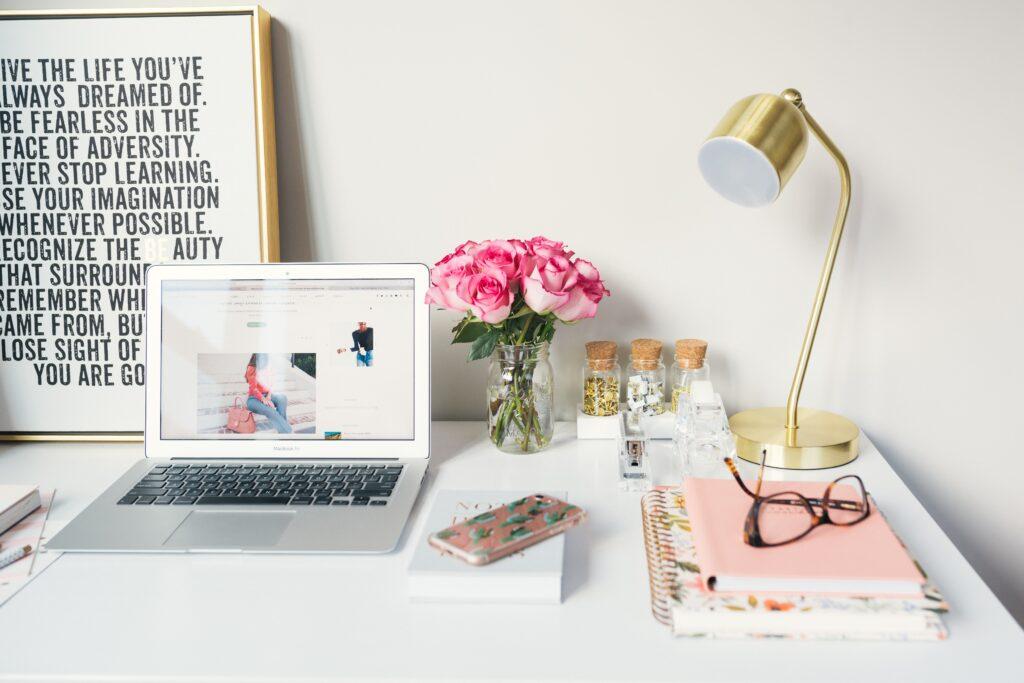Come lavorare da casa ed essere felici