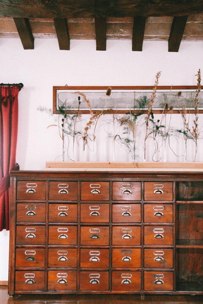 Dettagli mobili antichi Duca di Dolle